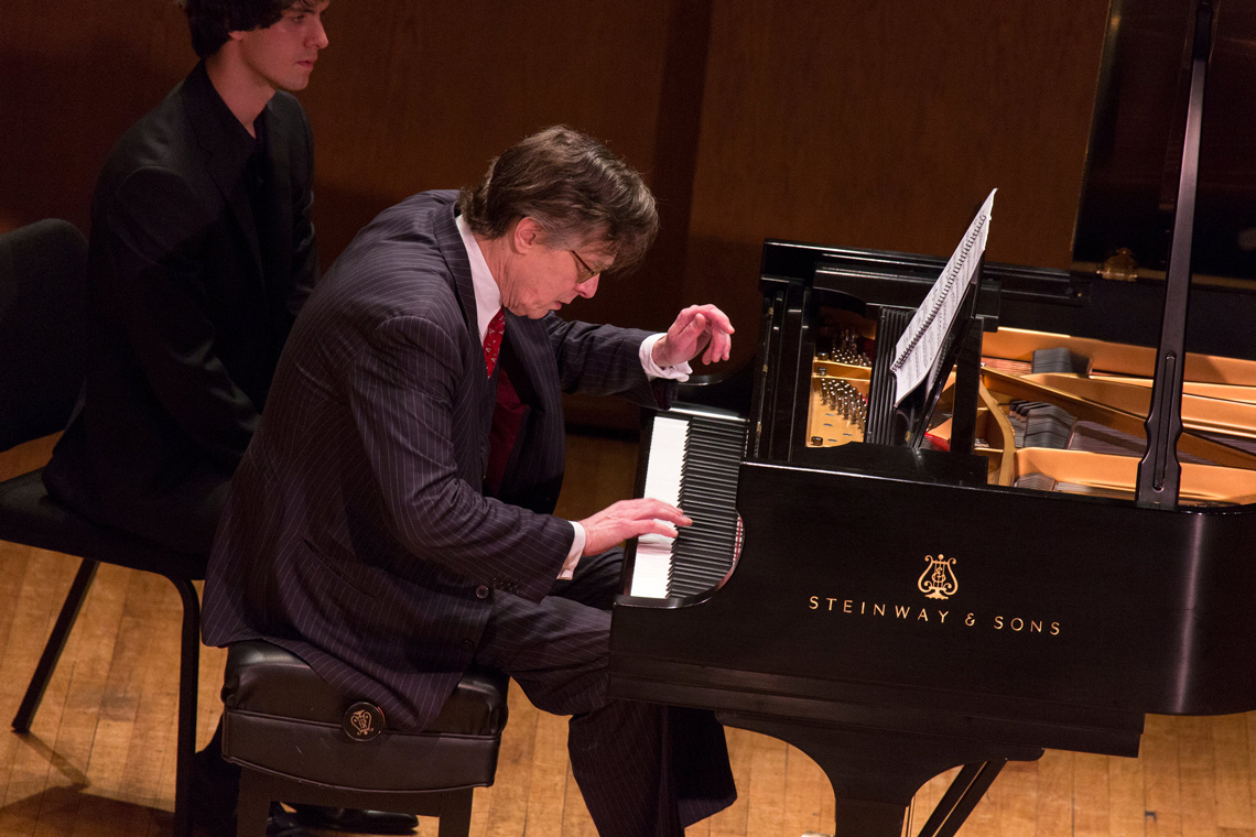 The pianist Peter Serkin performing at the 92nd Street Y. Photo by Richard Termine.