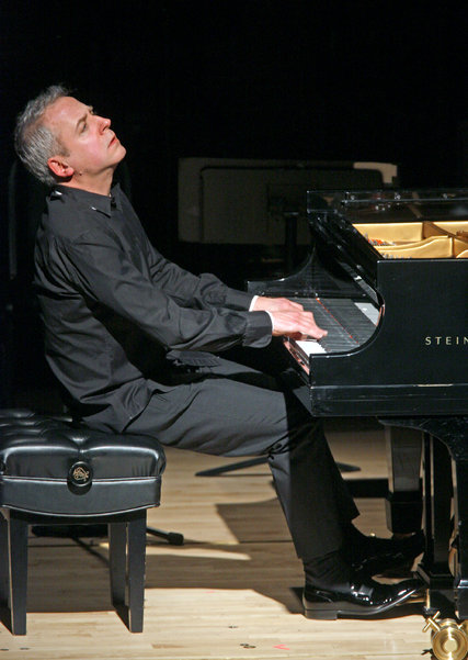 Jeremy Denk performing Mozart. Photo by: Hiroyuki Ito.